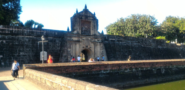 places to visit in manila, tourist attractions, things to do in fort santiago