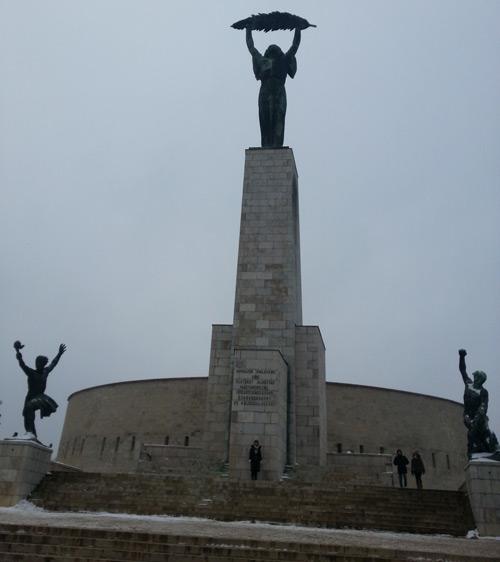 budapest travel guilde gellert hill