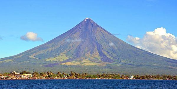 mayon volcano legazpi