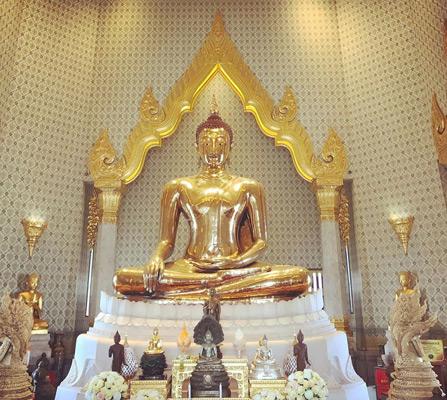 wat traimit golden buddle temple