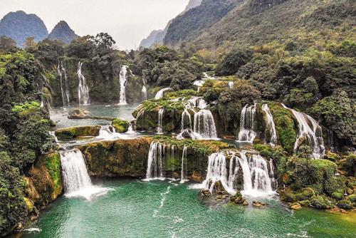 Ban Gioc Waterfall Backpacking in Asia