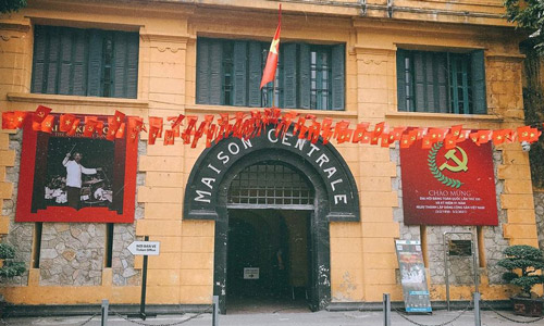 Hoa Lo Prison Historical places to visit in Hanoi